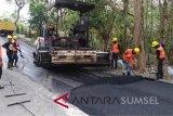 Mendorong penggunaan karet pada infrastruktur sekat kanal
