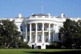 Presiden Donald Trump dikawal meninggalkan pengarahan setelah penembakan Gedung Putih