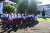 Minahasa Tenggara meniadakan seragam sekolah hari Selasa
