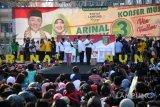 Arinal-Chusnunia janji beri beasiswa anak petani
