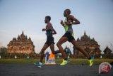 Pelari top abaikan polusi dan pandemi COVID-19 di Delhi Half Marathon
