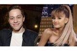 Putus dari Ariana, Pete Davidson menangis di depan ibunya