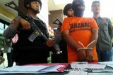Tiga pelaku penipuan tenaga kerja di Sumbawa Barat diamankan satu diantaranya oknum PNS