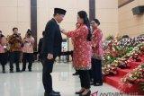 Wali Kota Lomban terima penghargaan Manggala Karya Kencana