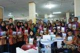 Peserta Siswa Mengenal Nusantara (SMN) asal Provinsi Lampung, melaksanakan kegiatan bedah buku