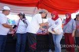 Pasar murah BUMN Hadir Untuk Negeri yang telah disiapkan oleh Perum Jamkrindo selaku koordinator kegiatan, dan Perum Perumnas selaku wakil koordinator, bagi masyarakat Gorontalo, Sabtu (18/8)