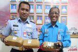 Temuan paket ganja di Lanud Atang Sendjaja