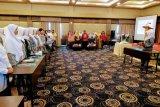 Ratusan bidan di Sulteng ucapkan sumpah profesi