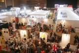 Suasana Bekraf Habibie Festival di JIEXPO Kemayoran, Jakarta, Kamis (20/9/2018). Festival yang menampilkan berbagai inovasi  terbaru ilmu pengetahuan dan teknologi tersebut berlangsung 20-23 September 2018. ANTARA FOTO/ Kahfie Kamaru/hp.