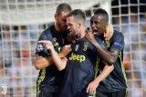 Kendati Ronaldo dapat kartu merah Juventus tetap bekap Valencia