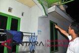 satu rumah di mamuju roboh akibat gempa