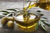 Minyak zaitun untuk merawat rambut dan kulit wanita berhijab