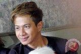 Delon dan Yeslin Wang masih jalin komunikasi, meski tengah urus perceraian