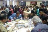 Gulai kapalo lauak pilihan Anwar Ibrahim saat santap makan malam bersama gubernur Sumbar (video)