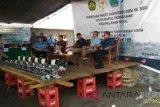 Legislator Bara Hasibuan-Kemen ESDM bagikan converter kit di Minut