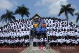 Bupati Lamandau berangkatkan 282 atlet bertanding di Muara Teweh