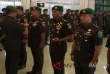 Danrem Wijayakusuma ajak prajurit TNI menyatu dengan rakyat