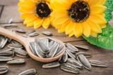 Kuaci biji bunga matahari kaya lemak sehat