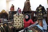 Pusat perbelanjaan di Jakarta rayakan Hari Batik