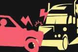 Satu orang tewas dalam tabrakan tiga mobil, satu mobil terbakar