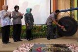 Yogyakarta menggelar pelayanan KB serentak targetkan 303 akseptor