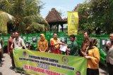 Kementerian LHK serahkan 30 motor sampah untuk DIY