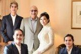 Maia Estianty pesan mahkota pernikahan hasil rancangan Happy Salma