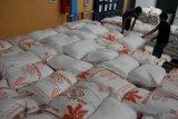 Bulog Sultra menunggu pasokan 250 ton gula pasir hadapi Ramadhan