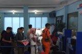 Puluhan warga Palembang manfaatkan layanan paspor simpatik