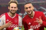 Ziyech dan Blind trigol, Ajax pesta delapan gol ke gawang De Graafschap