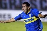 Tevez serukan pesepak bola bantu lebih banyak lawan COVID-19