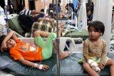 Puluhan pengungsi Kabonena dan Tipo keracunan nasi bungkus, didominasi anak-anak