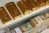 Dolar AS menguat, harga emas kembali melemah untuk hari ketiga berturut-turut