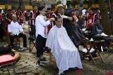 Tukang cukur ini ngaku grogi saat cukur rambut Presiden