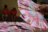 Peredaran uang palsu Rp500 juta diduga libatkan oknum polisi