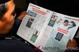 Sandiaga serahkan tabloid indonesia barokah kepada kepolisian