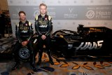 Tim  kompetitor Formula 1 cutikan karyawan