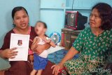 Keluarga balita penderita kelainan otak berharap pengobatan gratis