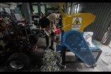 Fakultas Teknik UGM ciptakan mesin pencacah plastik