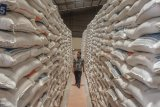 Bulog  jamin stok beras aman sampai Lebaran