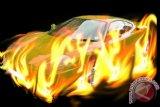Tagih utang Rp145 juta, seorang wanita dibunuh dan dibakar dalam mobil