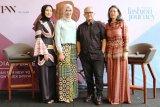 Itang Yunasz dan Dian Pelangi tampilkan koleksinya di New York Fashion Week