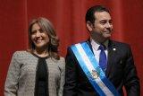 Presiden Guatemala Jimmy Morales dilempar telur oleh massa