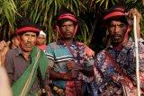 Para Rato berkumpul memanggil Nyale di Wanokaka