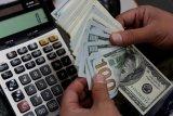 Dolar AS merosot, bukukan kerugian terburuk dalam satu dekade