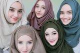 Pilihan hijab yang nyaman digunakan saat cuaca panas