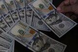 Dolar AS justru jatuh jelang pidato Ketua Federal Reserve AS