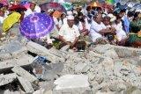 Melasti di bekas tsunami