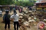 Longsor poros Kabupaten Polman-Mamasa berhasil dibersihkan