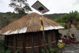Listrik tenaga surya jangkau di perbatasan Papua
